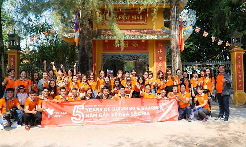 ezland group chia se cong dong